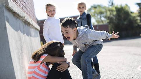 Петля насилия  / Без вмешательства взрослых дети, ставшие жертвой травли буллинга, не смогут разрешить ситуацию