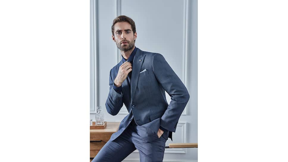 Фото из рекламной кампании Henderson. Костюм из шерстяной ткани, изготовленной на фабрике Reda