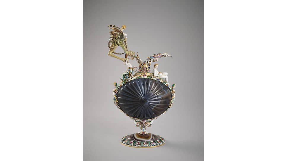 Кувшин из сардоникса, золото, эмаль, рубины, изумруды, опалы, 1630 год