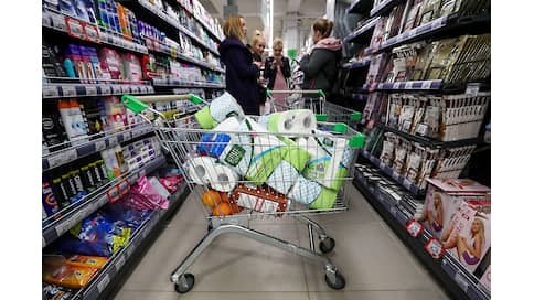 Паническое потребление  / Накануне самоизоляции россияне запаслись не только едой, но и техникой.