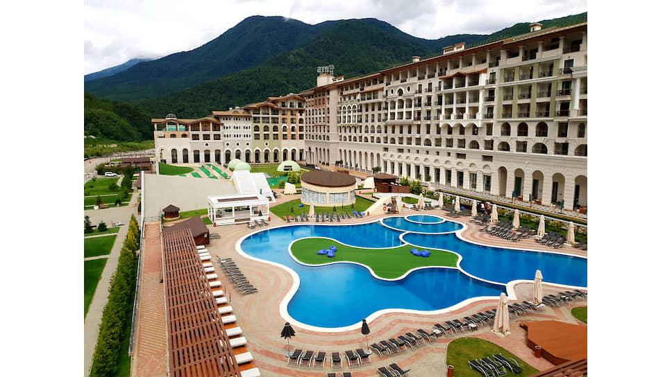 Вид на отель Sochi Marriott Krasnaya Polyana