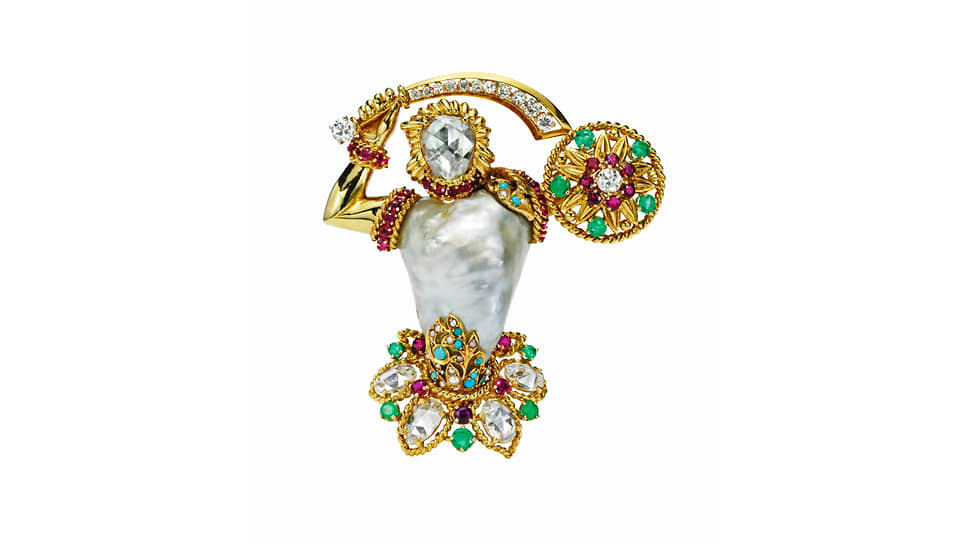 Брошь Gladiator, желтое золото, изумруды, рубины, барочная жемчужина, бриллианты,1956 год. Коллекция Van Cleef&Arpels
