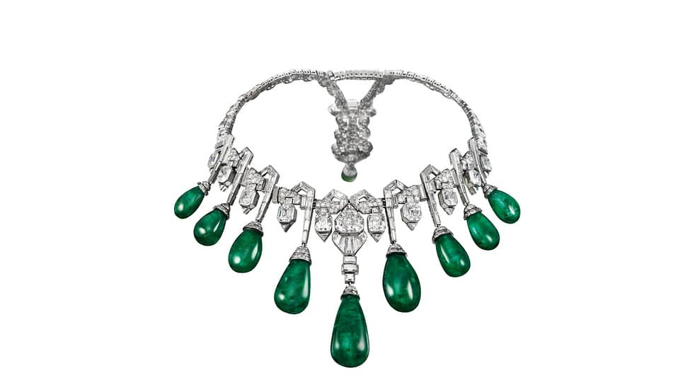 Колье Collaret, платина, изумруды, бриллианты, 1929 год. Бывшая коллекция ее королевского высочества принцессы Египта Фавзии Фуад, сейчас — коллекция Van Cleef & Arpels