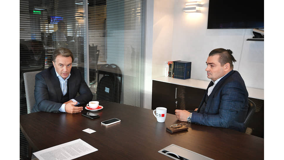 Соруководитель, главный исполнительный директор инвестиционного банка BCS Global Markets Алексей Гонус (слева) и руководитель департамента рынков долгового капитала BCS Global Markets Алексей Куприянов