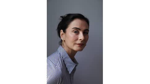 Раскрывая тайны Вселенной  / Франческа Амфитеатроф о Stellar Times от Louis Vuitton
