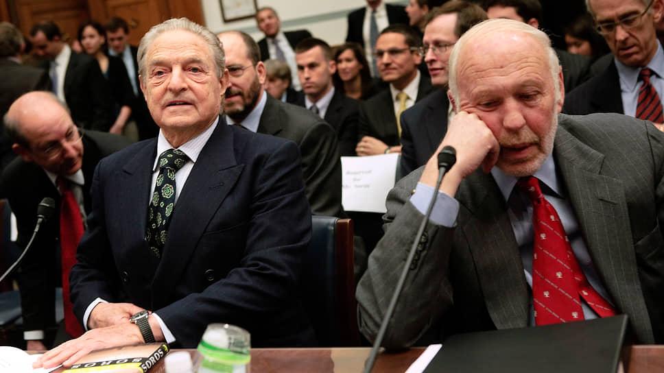 Среднегодовая доходность фонда Medallion Джима Саймонса (на фото справа) за период 1988–2018 годов составляла рекордные 39% после уплаты налогов. До этого рекорд принадлежал Quantum Fund Джорджа Сороса (на фото слева) — 32% в период 1969–2000 годов