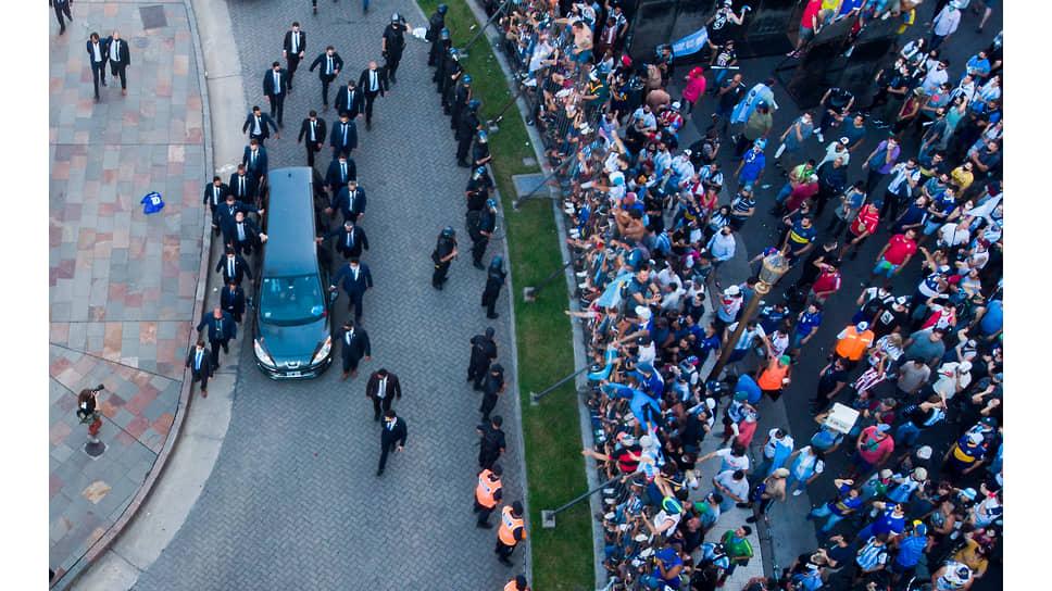 Похороны Диего Марадоны. Буэнос-Айрес, 26 ноября 2020 года