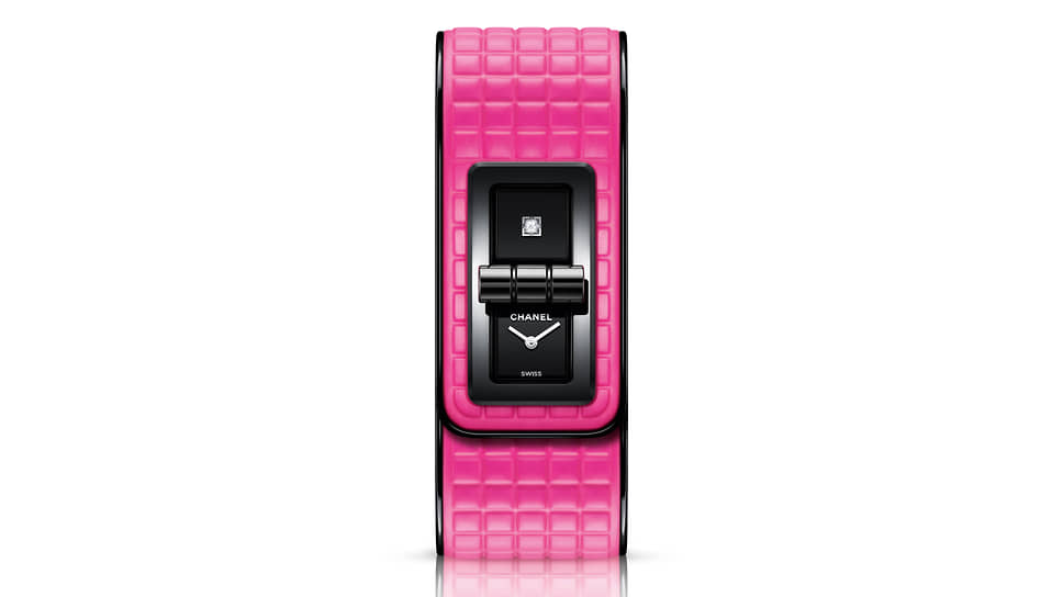 Chanel Code Coco Electro. 39,3 х 25 мм
