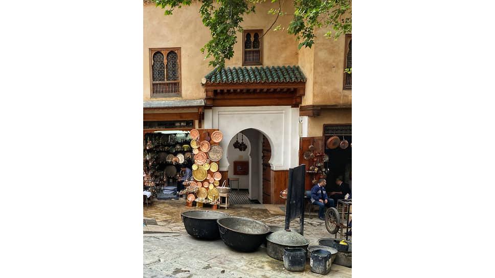 Фес — город мастеров и ремесленников, многие из которых верны традиционным техникам