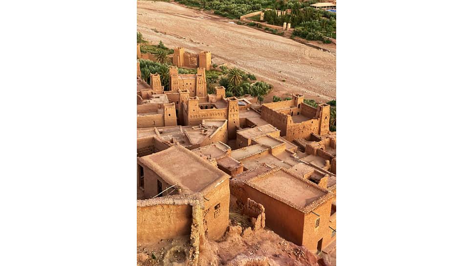 Айт-Бен-Хадду  — древний образчик глинобитной архитектуры,  знакомый многим по многочисленным кинофильмам
