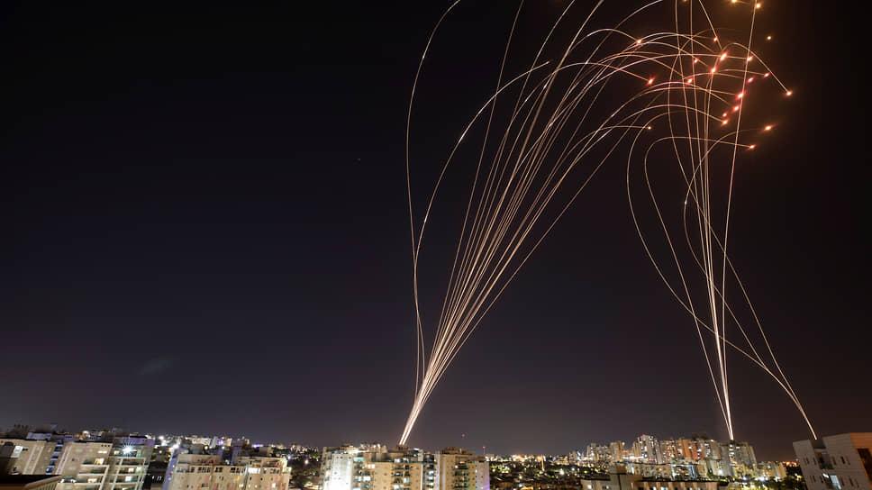 Во время операции «Страж стен» система «Железный купол» перехватила примерно 90% ракет, которые могли нанести ущерб