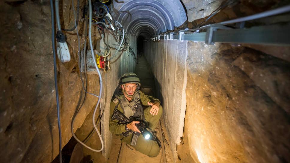 Строительство тоннелей в секторе Газа началось примерно в 2010 году. Большинство из них находится на глубине 18–25 м под землей