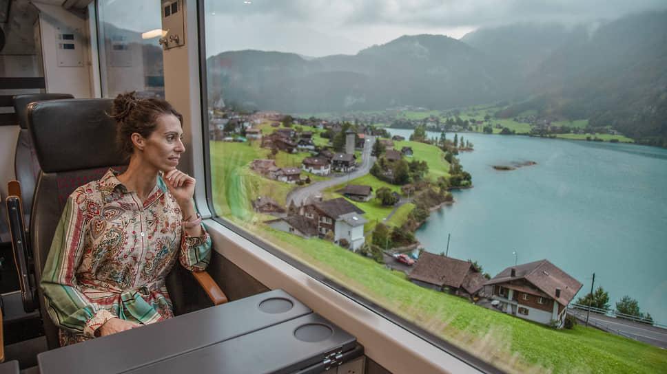 Вид из окна панорамного поезда GoldenPass
