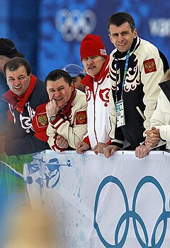 Исполнительный директор Союза биатлонистов России (СБР) Сергей Кущенко (слева) и президент группы ОНЭКСИМ, президент СБР Михаил Прохоров (справа)