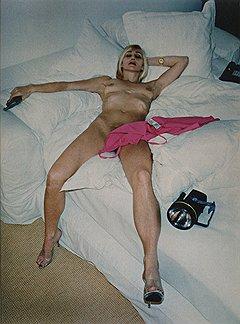 Хельмут Ньютон. «Эви IV, Беверли-Хиллз», 1996 год. Цветная фотография. Эстимейт £20–30 тыс.