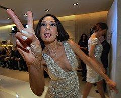 Писательница Татьяна Огородникова на показе вечерних платьев Tony Ward в Crocus Moscow