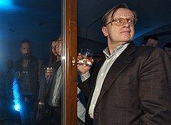 Президент группы компаний «Уникум» Борис Белоцерковский на открытии выставки «Lexus Hybrid Art» в арт-центре «Ветошный»