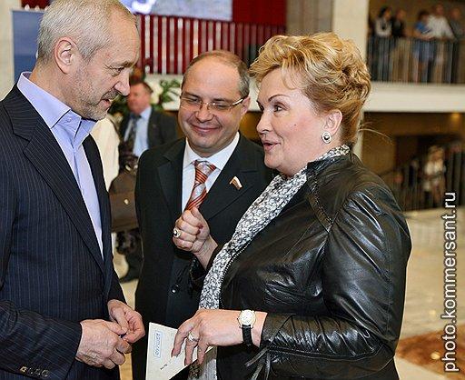 Депутат Мосгордумы Евгений Герасимов (слева) и депутат Госдумы Любовь Слиска