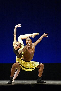 Дуэт из балета «Herman Schmerman», солисты New York City Ballet Венди Виллан и Альберт Эванс
