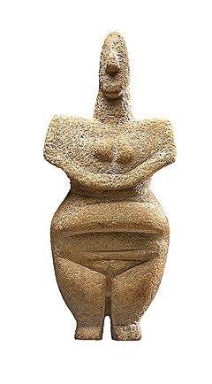 Идол в виде женской фигуры. Греция, поздний неолитический период, около 6-5 тыс. лет до н. э. Мрамор. Галерея Rupert Wace Ancient Art