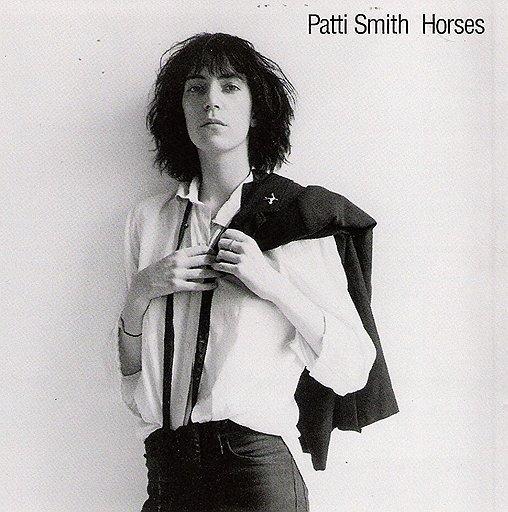 """Фотография Патти Смит, сделанная Робертом Мэпплторпом для обложки ее альбома """"Horses"""", 1975 год"""