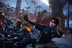"""Корентан Фолэн (Fedephoto). """"Антиправительственные волнения, Бангкок, Таиланд, май 2010 года"""". Второе место в категории """"Горячие новости. Серии"""""""