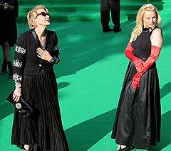 Актрисы Рената Литвинова (слева) и Елена Кондулайнен