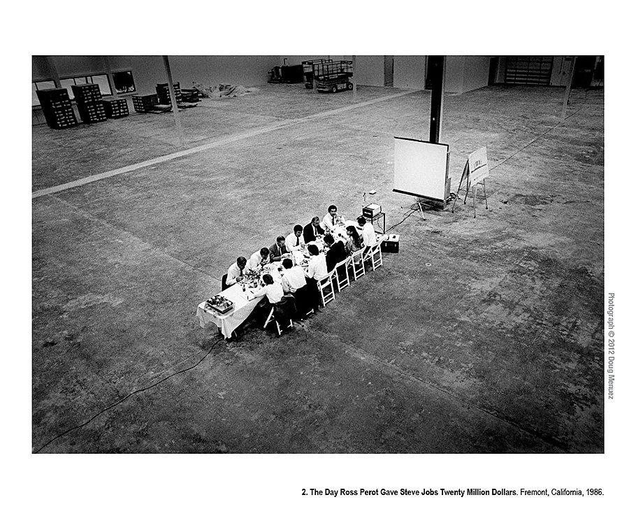 День, когда Росс Перо дал Стиву Джобсу $20 млн. Фримонт, Калифорния, 1986 год. После этого обеда с советом директором NeXT на территории их будущего завода Росс Перо вложил в компанию более $20 млн. Впоследствии Перо от инвестирования отказался, но потом признавал, что это было самой большой ошибкой в его жизни.