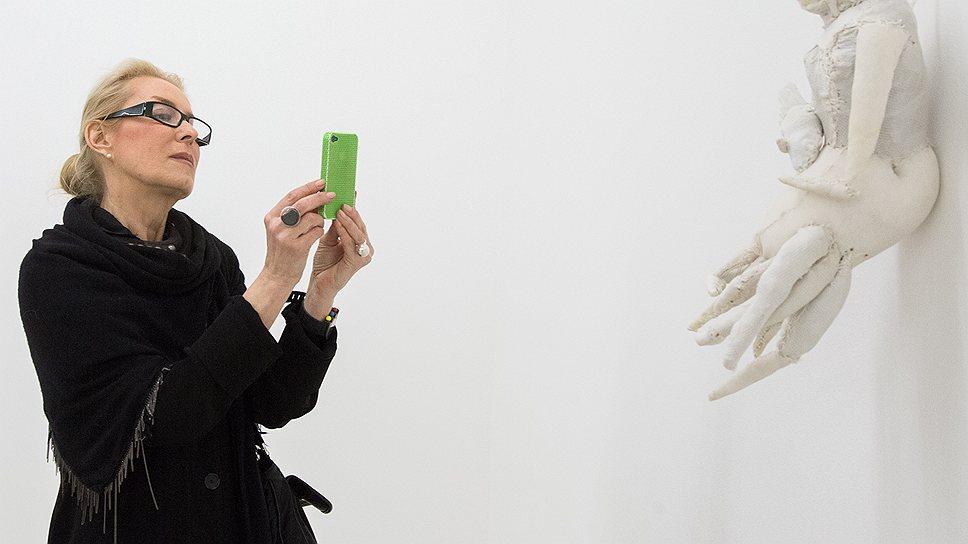 Директор Мультимедиа Арт Музея Ольга Свиблова на открытии выставки Евгения Антуфьева в Collezione Maramotti в Реджо-Эмилия