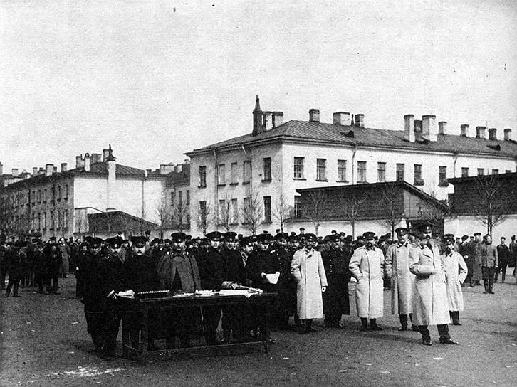 Мобилизационный пункт в Петрограде