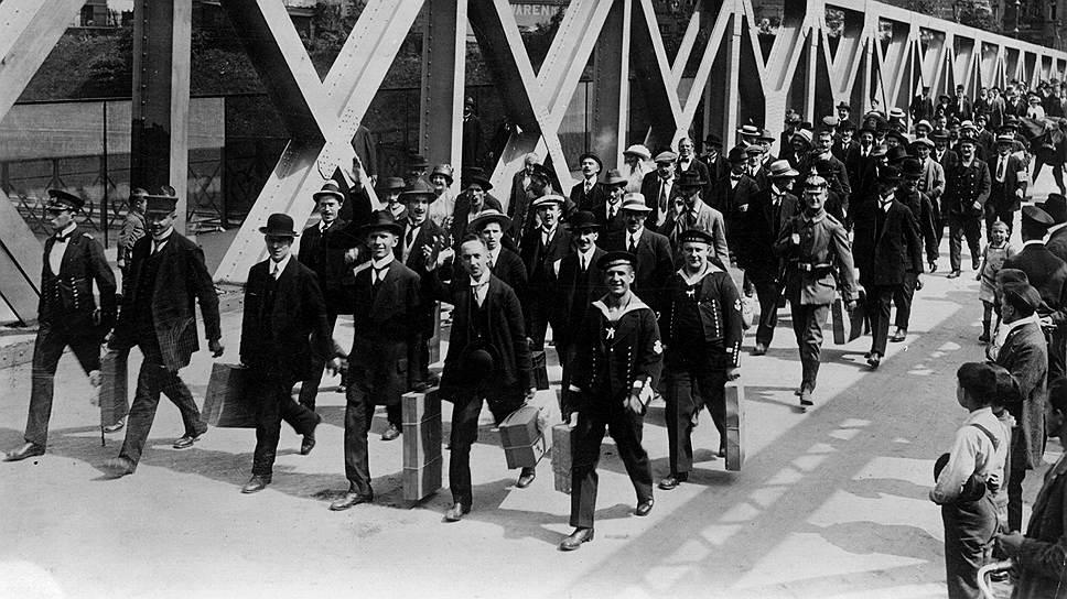 Колонна новобранцев, 1914год