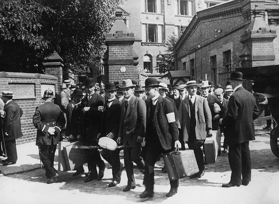 Добровольцы в Берлине, 1914год