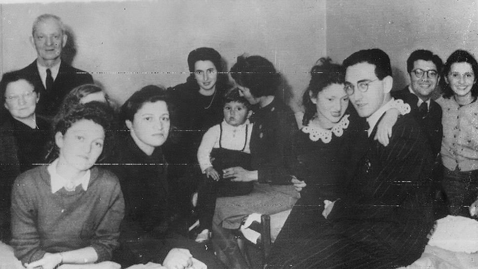 Бежавшие из Дании евреи прибыли в шведский порт Мальмё, 12 октября 1943 года