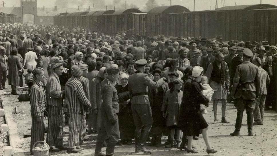 """Картинки по запросу """"холокост геноцид евреев"""""""""""