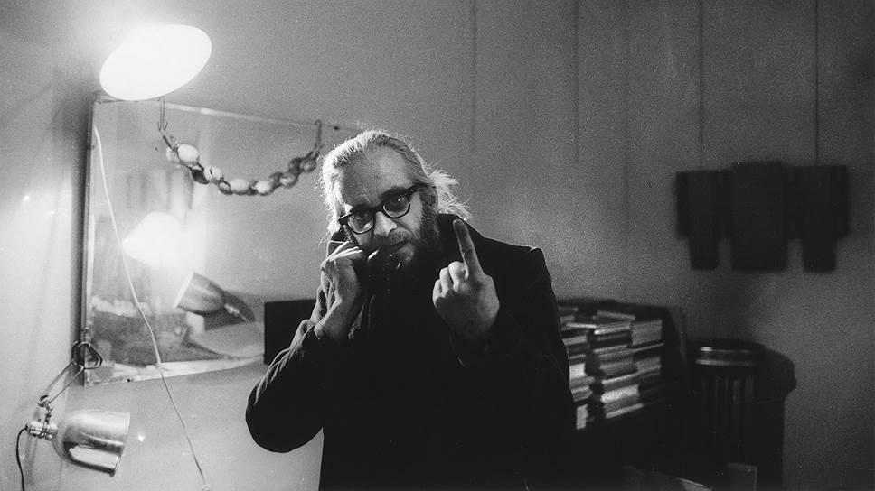 """Гарри Эверетт Смит в номере отеля """"Челси"""". Нью-Йорк, 1969 год"""