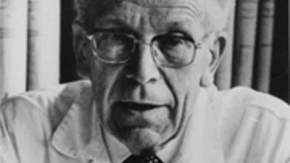 """Ганс Аспергер (1906-1980), австрийский врач-педиатр, автор работ """"Психически ненормальный ребенок"""" (1938), """"Аутистические психопаты в детском возрасте"""" (1944)."""