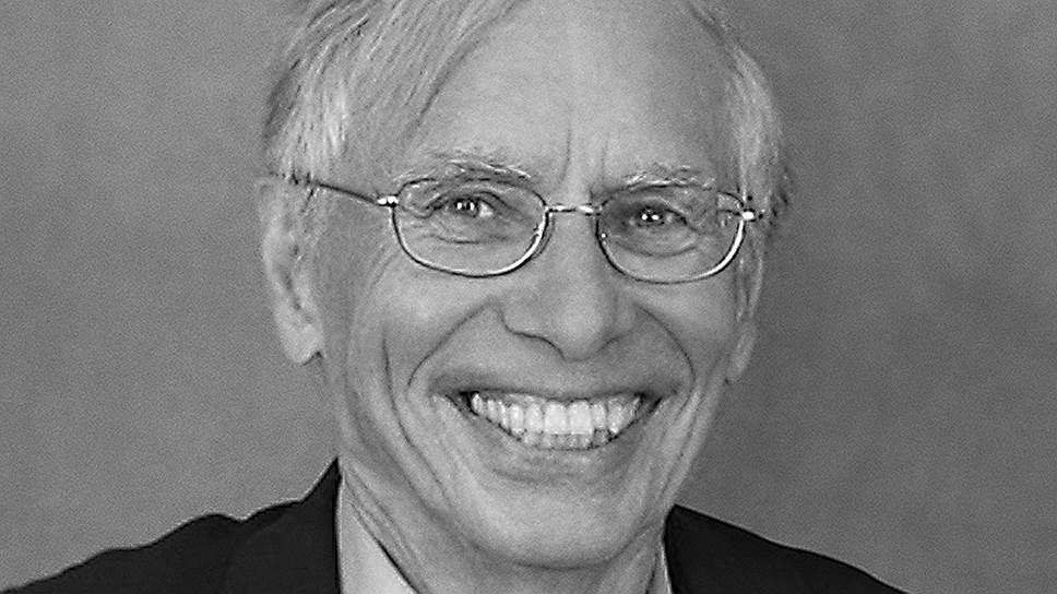"""Оле Ивар Ловаас (1927-2010), американский психолог-бихевиорист, автор книг """"Обучение детей с отставанием в развитии"""" (1981) и """"Обучение людей с задержкой развития: основные методы вмешательства"""" (2000)."""