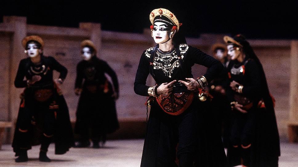 Ариана Мнушкина. «Хоэфоры», Theatre du Soleil, 1991 год