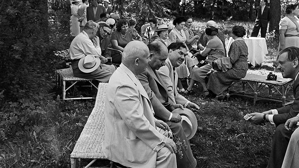 Встреча советского правительства с писателями, художниками и композиторами, 1957 год