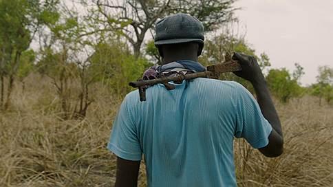 Уганда как пример  / Анна Наринская о «Неправильных элементах» Джонатана Литтелла