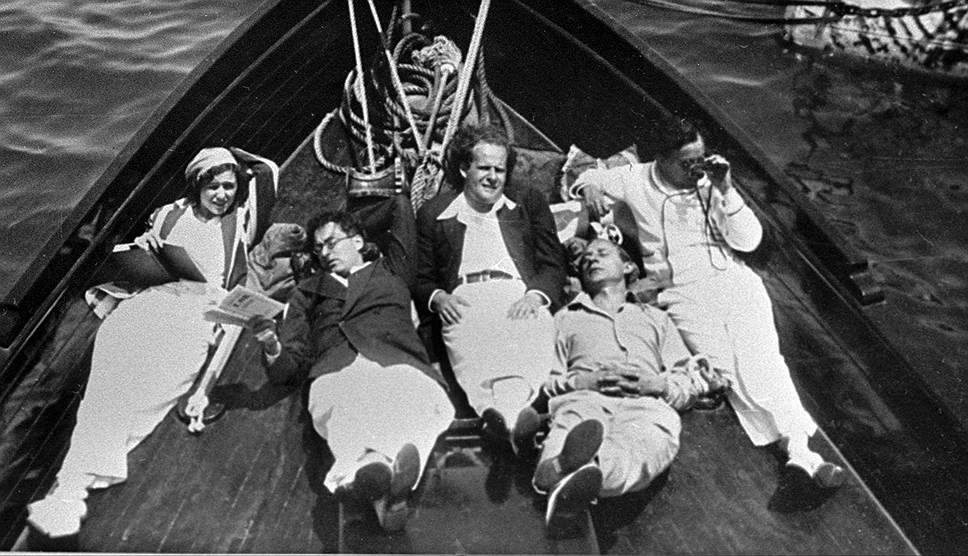 Справа налево: Чарли Чаплин, Эдуард Тиссэ, Сергей Эйзенштейн, Айвор Монтегю, 1930год