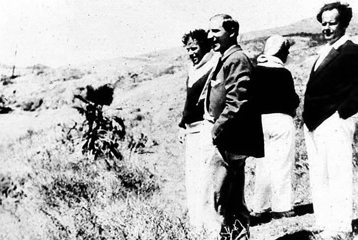 Чарли Чаплин (слева), Эдуард Тиссэ, Сергей Эйзенштейн (справа), 1930год