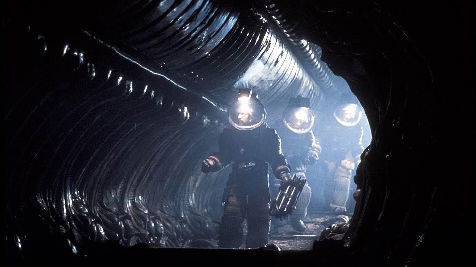 Как режиссеры с помощью внеземных существ решали земные проблемы, а Ридли Скотт не стал