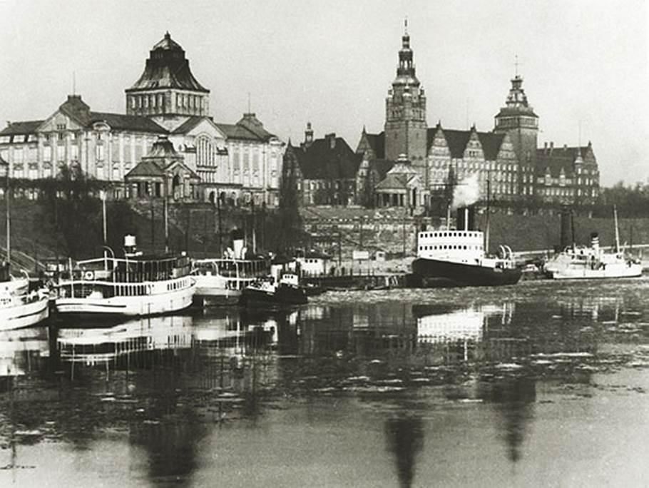 Пристань Штеттина, на которую прибыли пароходы «Обербургомистр Хакен» и «Пруссия»