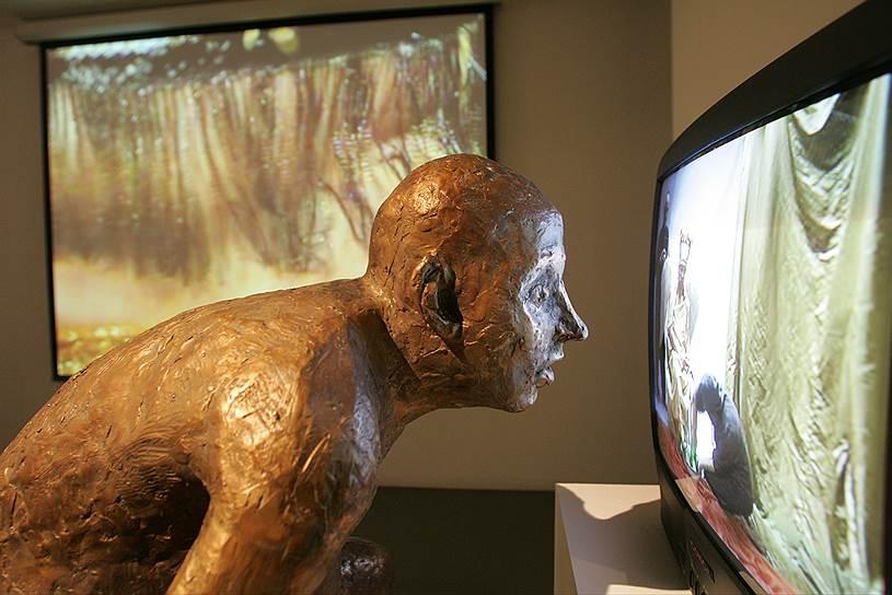 «8 1/2. Художники начала века: видеоарт» в галерее WAM, 2005 год