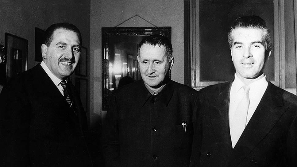 Бертольт Брехт (в центре), режиссер Джорджо Стрелер (справа) и продюсер Паоло Грасси, 1956