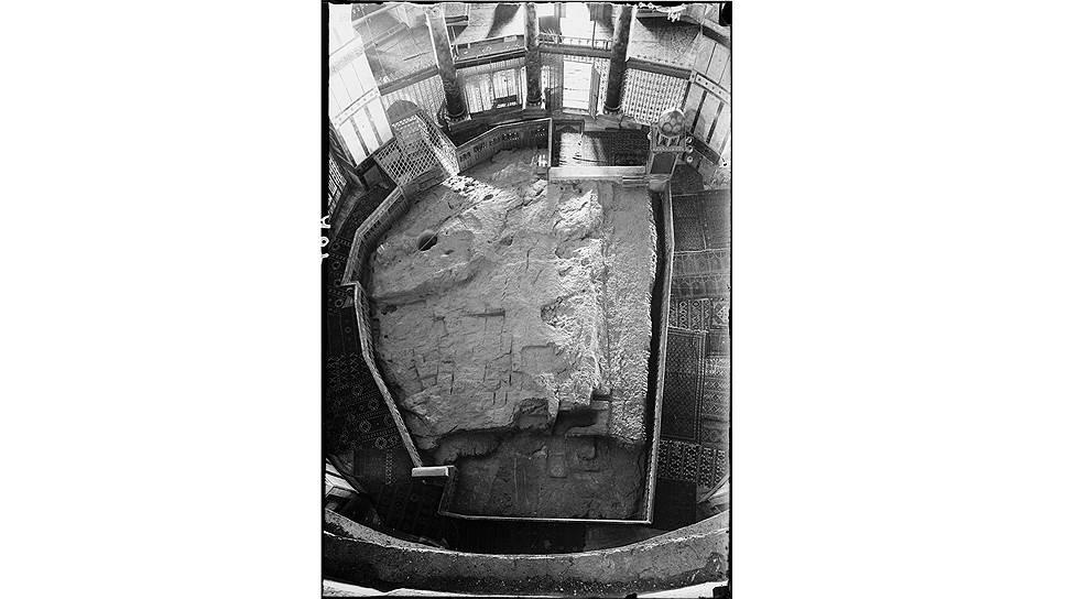 Камень основания на Храмовой горе в Иерусалиме