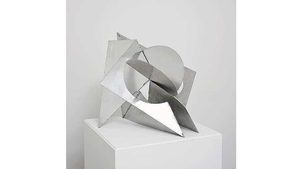"""Лигия Кларк. """"Пространственная птица"""", 1960"""