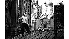 Мальчик и голубь. Андрей Кончаловский, 1961