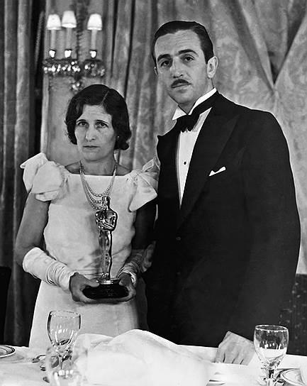 Уолт Дисней с женой на церемонии вручения «Оскара», 1932